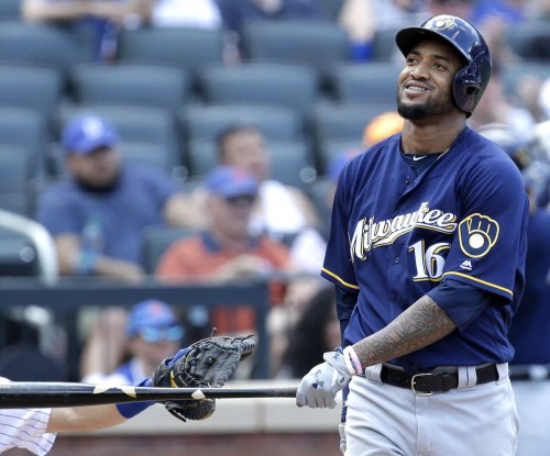 Milwaukee Brewers erupt early in rout of Miami Marlins
