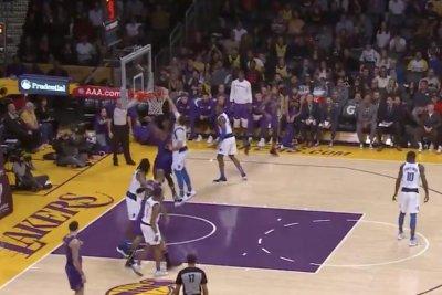 Mavs rookie Luka Doncic blocks LeBron James twice on same possession