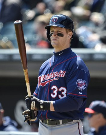 Twins send veteran Justin Morneau to Pittsburgh in trade