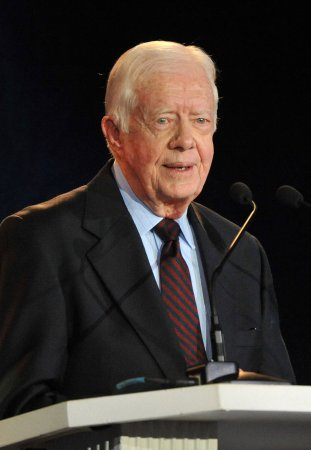 Carter visits with Cuban dissidents