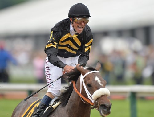 No Triple Crown as Oxbow upsets Orb in Preakness Stakes