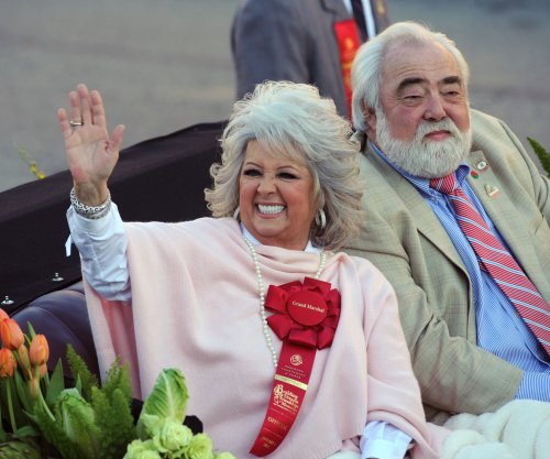 Paula Deen denies divorce reports
