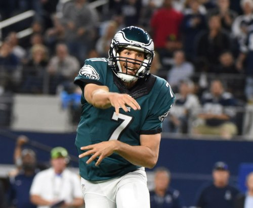 Eagles QB Sam Bradford practices; uncertain for Thanksgiving game