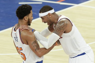 Carmelo Anthony nails winning shot in New York Knicks' 106-104 victory
