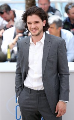 Kit Harington says his hair 'has its own contract' on 'Game of Thrones'
