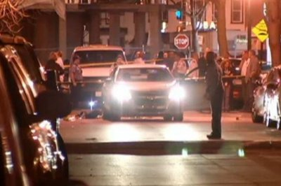 Two Washington, D.C., police officers shot, suspect killed