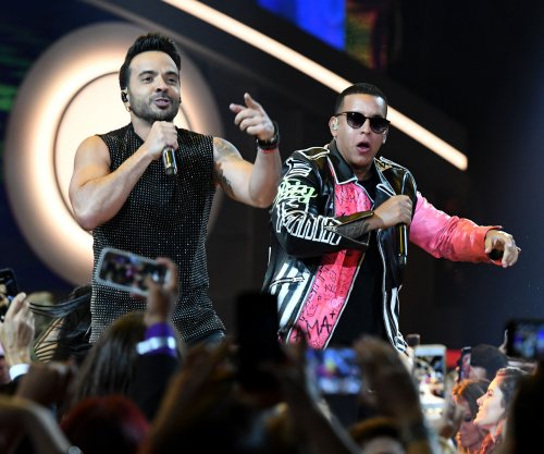 'Despacito' ties record for most weeks at No. 1 on Hot 100 chart