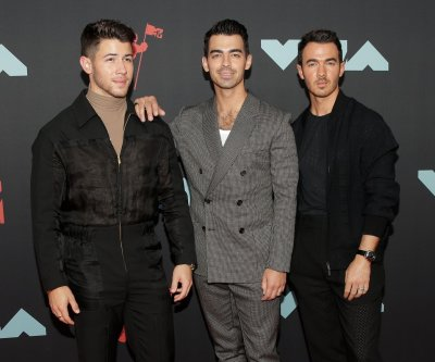Jonas Brothers to perform during American Music Awards