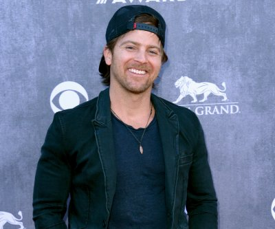 Kip Moore shares 'Wild World' single ahead of album release