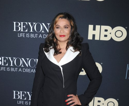 Tina Knowles marries Richard Lawson on yacht