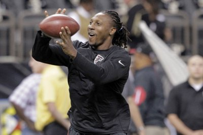 Roddy White's future still up in air with Atlanta Falcons