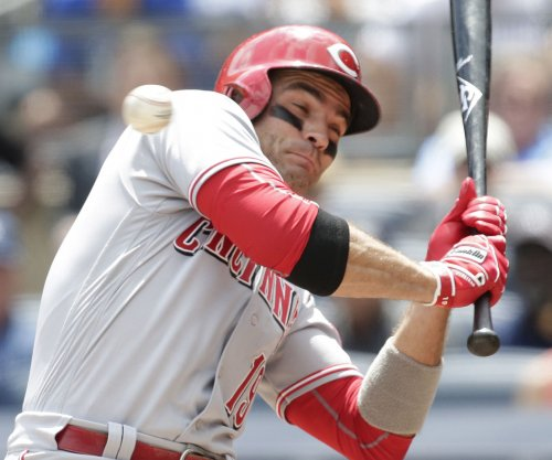 Joey Votto tries to get into Wrigley Field, security doesn't know him