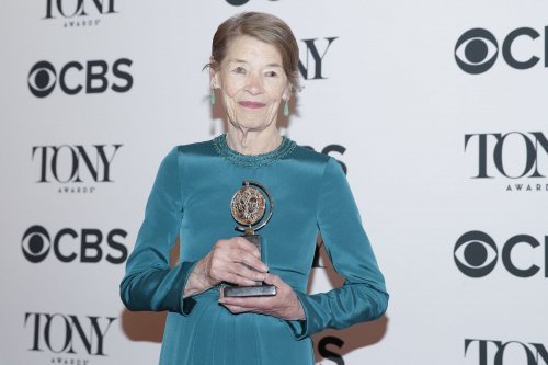 Glenda Jackson to star in TV movie 'Elizabeth is Missing'