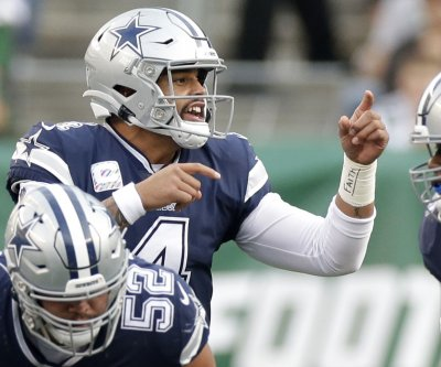 Dak Prescott, Josh Allen earn Player of the Week honors
