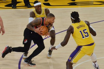 Lillard, Trent rally Blazers over Lakers