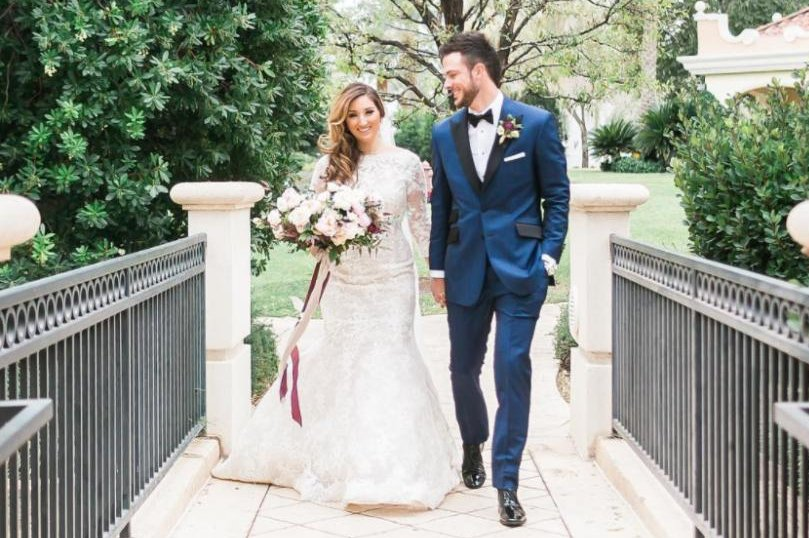 Kris-Bryant-celebrates-Las-Vegas-wedding