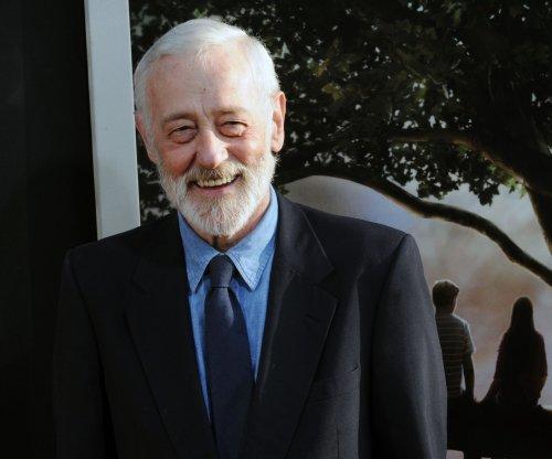Stars mourn John Mahoney: 'Great actor - lovely kind human'