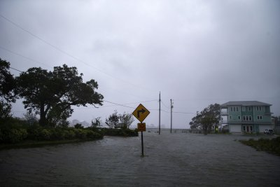 Florence weakens into depression, heads north