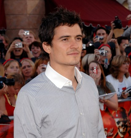 Orlando Bloom to star in 3rd film trilogy