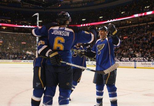 NHL: St. Louis 6, Vancouver 1