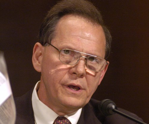 Alabama Supreme Court Justice calls same-sex marriage ruling 'tyranny'