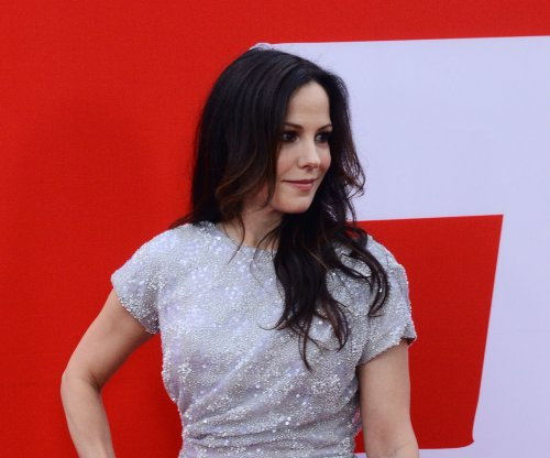 Bruce Willis and Mary-Louise Parker to reunite for Tony Award nominations announcement