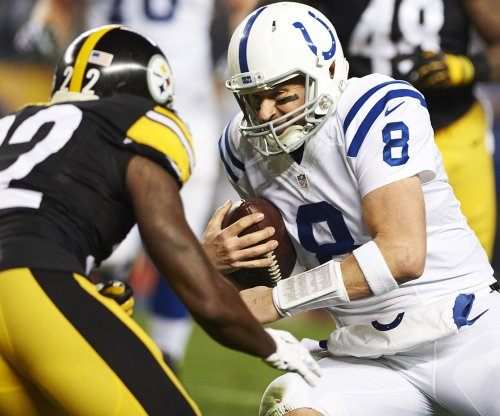 Colts' Matt Hasselbeck exits with injury