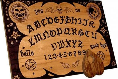 Mom wants kindergarten teacher fired for 'talking to spirits' with Ouija board