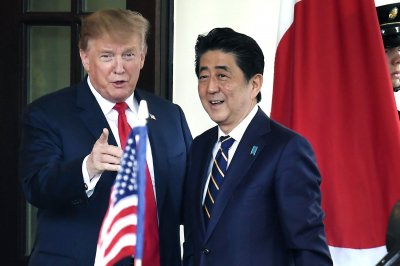 Trump welcomes Abe to White House for trade talks
