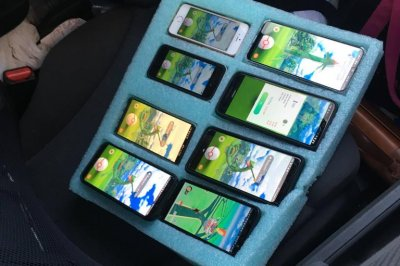 Trooper finds driver stopped on shoulder using eight phones for 'Pokemon Go'