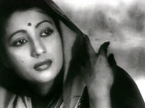 Indian actress Suchitra Sen dead at 82