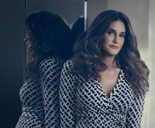 Caitlyn Jenner receives standing ovation at Boy George concert in LA