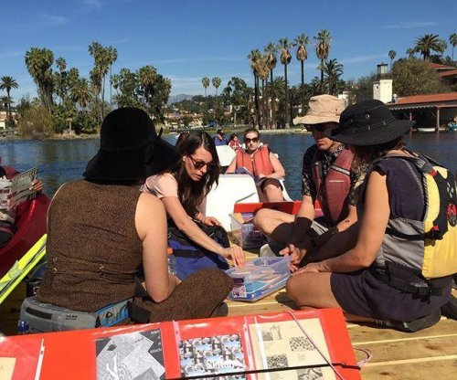 Floating Library brings books to Los Angeles boaters