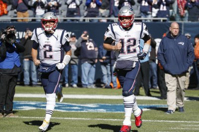 Patriots bringing back QB Brian Hoyer after Tom Brady's departure