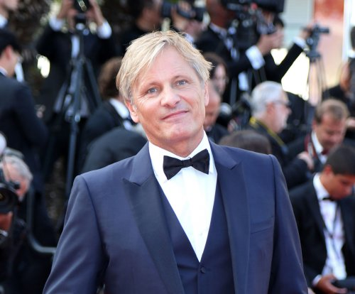 Viggo Mortensen directs struggles with ailing father in 'Falling' trailer
