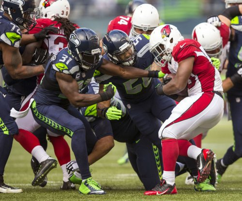 Marshawn Lynch gives bizarre locker room interview after Seahawks beat Cards