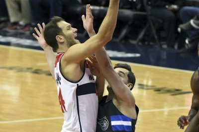 Bojan Bogdanovic helps Washington Wizards rally past Orlando Magic