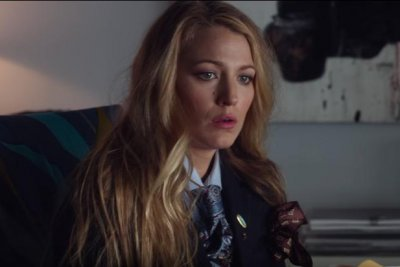 'A Simple Favor': Blake Lively goes missing in first trailer