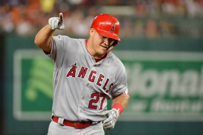 Mike Trout hits first homer of 2019, cuts down runner at home