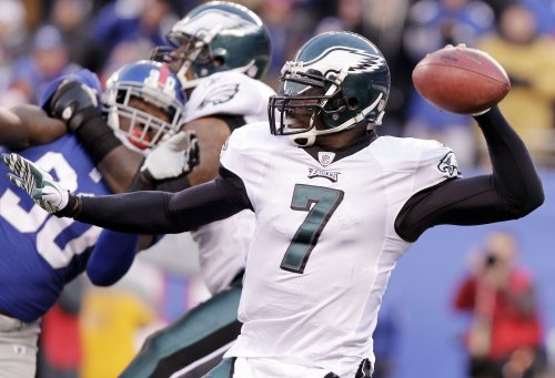 Vick returns to practice