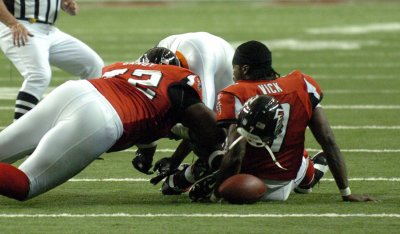 Wayne Gandy rejoins Atlanta Falcons