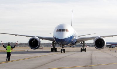Boeing CEO confident in Dreamliner