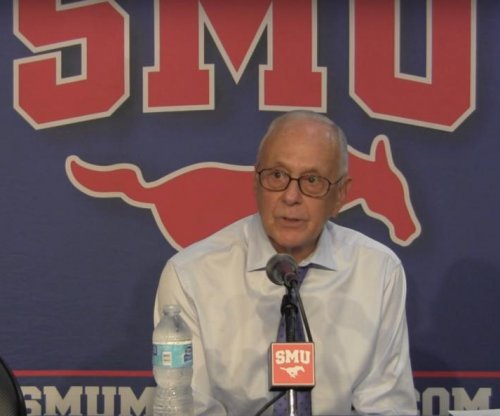 SMU roars back on Cincinnati to stay unbeaten
