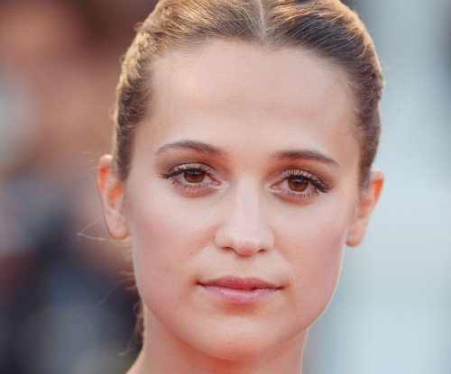 Alicia Vikander spotted on set of 'Tomb Raider' reboot