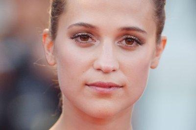 Alicia Vikander spotted on set of 'Tomb Raider' reboot