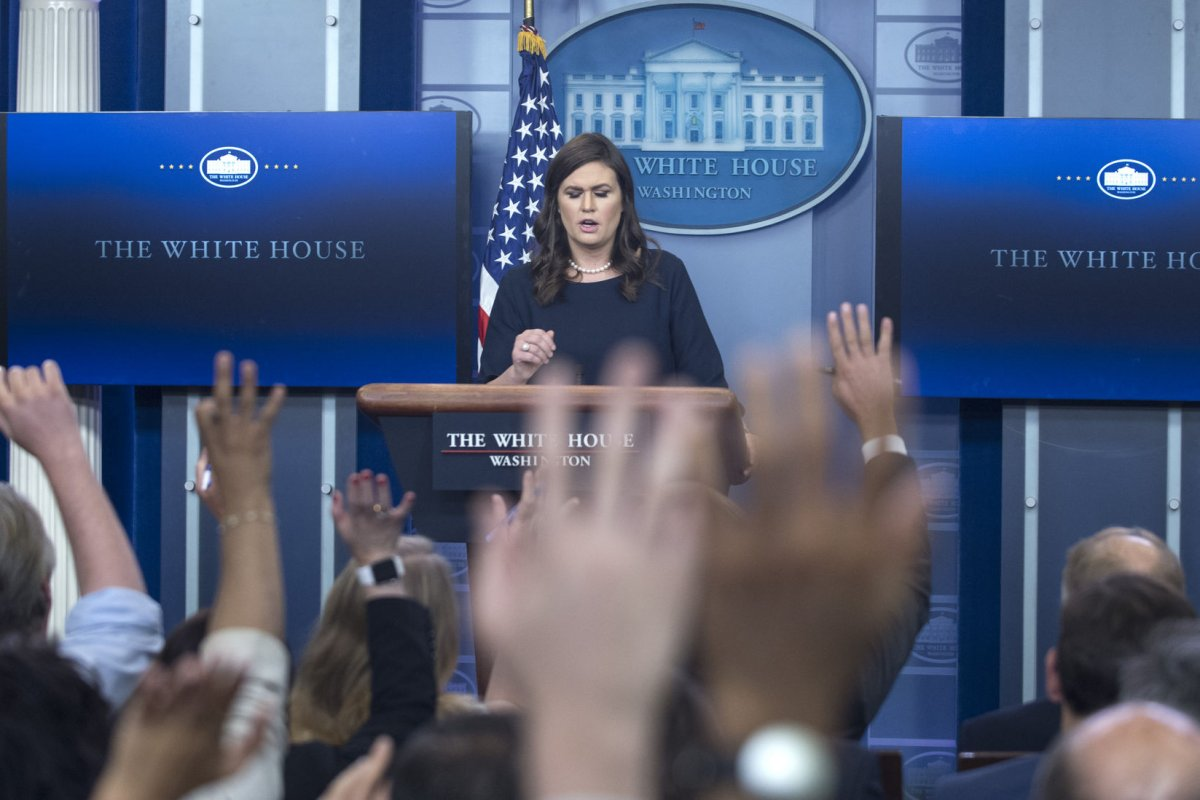 watch live: sarah huckabee sanders to give white house briefing