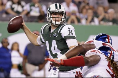 Jets rookie Darnold moves closer to starting QB job