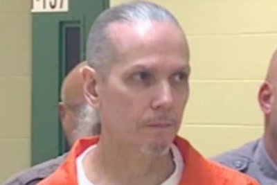South Dakota executes man convicted of killing correctional officer