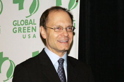 Famous birthdays for April 3: David Hyde Pierce, Jennie Garth