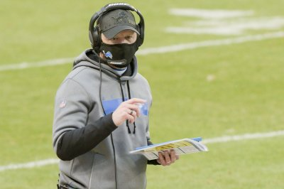 Lions coach Darrell Bevell, defensive staff out due to COVID-19 contact tracing